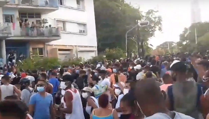 2021 Cuban protests in the street